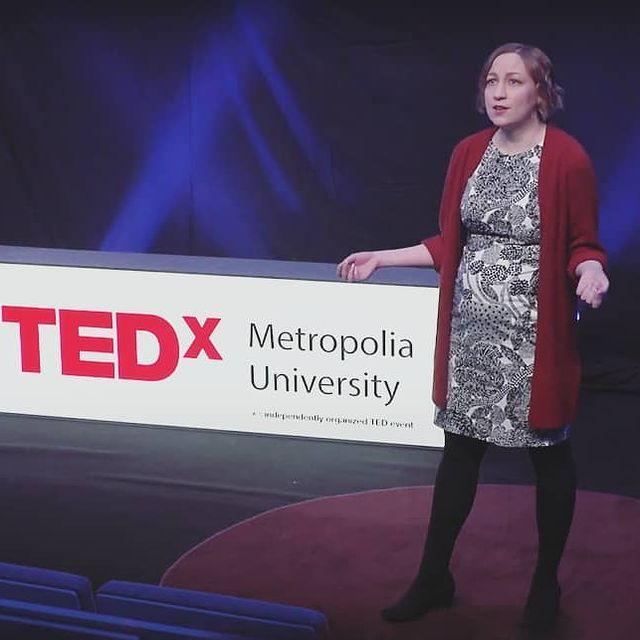 Kuvassa Päivi Keränen_TEDx Metropolia University tilausuudessa. 2021.